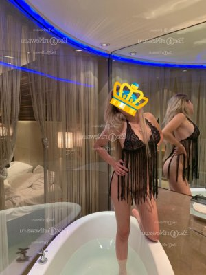 Anie erotic massage in Castle Pines & escort