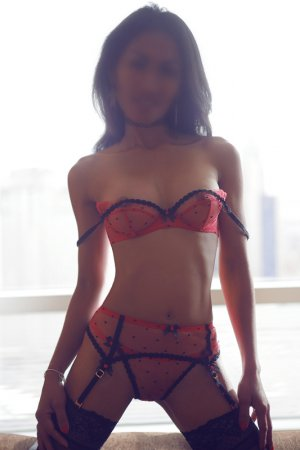 Francesca happy ending massage and escort girls