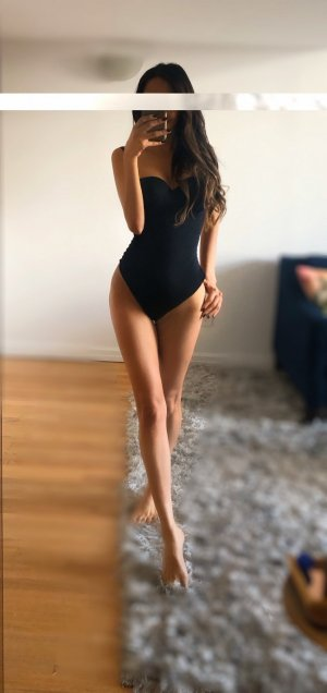 Kalypso escort girl and thai massage